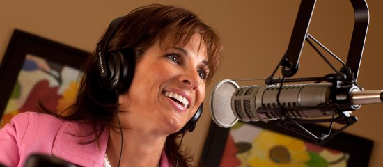 financial-radio-host-debbie-lewis